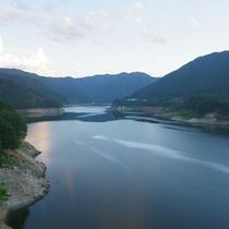 *【周辺】草木湖/桜、新緑、紅葉と一年を通じて、風景を楽しめます。