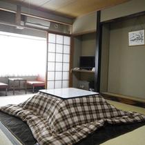 *【部屋】ごゆっくりお寛ぎいただける10畳のお部屋です。