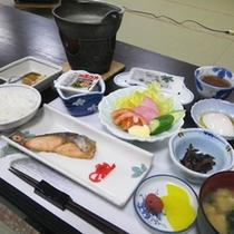 *【朝食全体例】栄養をつけて、元気にいってらっしゃい!