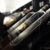 ■The RESTAURANT/多数のワインを取り揃えております