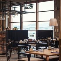 ■The RESTAURANT店内/食事と一緒に尾道水道の風景もお愉しみ下さい