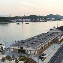 ■ONOMICHI U2/館内にはレストランやカフェ、ホテルなど新しいスタイルの複合施設