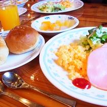 *【朝食例】爽やかで清々しい朝の空気の中で、美味しいお食事を食べればすっきりお目覚め♪