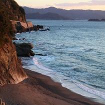 *お部屋やお風呂など館内からは紀淡海峡が一望できます