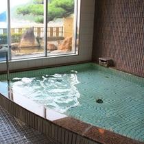 *大浴場でさっぱりリフレッシュしてください。露天風呂もございます