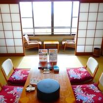 和室8畳 お部屋からはお部屋からは、庭園と綱不知湾をご覧いただけます。