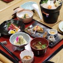 *夕食一例 会席風/低価格ながらお料理の美味しさはリピーター様に評判です!