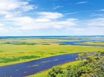 【周辺】琵琶瀬展望台:霧多布湿原の南にあり360度の視界が楽しめます。(画像提供:浜中町観光協会)