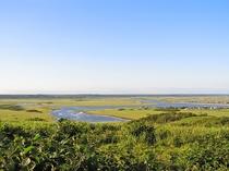 【周辺】琵琶瀬展望台から霧多布湿原が見渡せます。