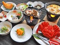 【ご夕食の一例】地元前浜で獲れたての新鮮な海の幸をふんだんに使用(5月~8月中旬:花咲カニ)