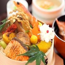 秋の味覚盛りだくさん!きのこ飯の旬菜わっぱ