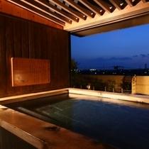 貸切露天風呂【石】からの夕景