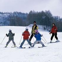 【ゲレンデ】家族みんなで楽しく!わいわい!雪に囲まれて冬を満喫♪