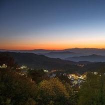 【蔵王温泉街高台から眺める美しい夕景】息を呑む程の美しい空の色調がご覧いただけます