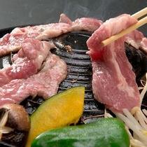 【蔵王名物・ジンギスカン】ジューシーなラム肉をヘルシーな野菜を絡めてお召し上がり下さい