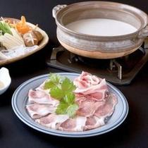 【米の娘豚の豆乳しゃぶしゃぶ】お肉や野菜との相性抜群!でクリーミーな味わいが楽しめます♪