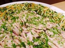 バイキング料理 【鶏とチンゲン菜のバンバンジー和え】
