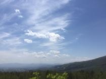 ペンションから望む雫石盆地・空・雲・山・・・
