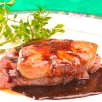 【夕食】ロッシーニ風フォアグラ載せフィレステーキ