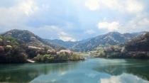 春の松川湖