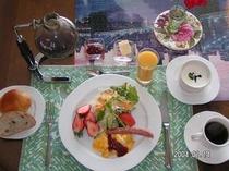 評判の朝食