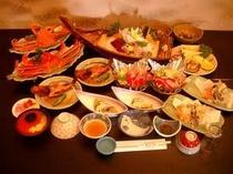 伊良湖魚市場で水揚げされた魚介類を使用した2名様分のお料理。