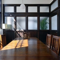 【1階 個室】落ち着いた雰囲気で、ゆっくりとお食事をお召し上がり頂ける個室も3部屋ご用意
