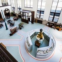 コンセプトの「駅」をイメージさせる床のデザイン