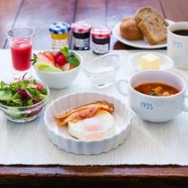 【ご朝食】シェフこだわりの映画のような朝食を。