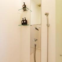全室シャワーブーススタイル