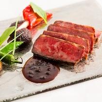 今や世界に名高い最高級和牛「但馬牛」は有名ブランドの神戸牛・松阪牛・近江牛のルーツとなる品種です