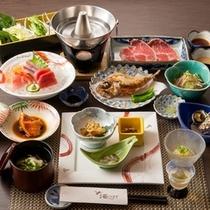 夕食は魚をはじめお肉のしゃぶしゃぶなどを堪能ください。