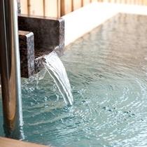 天然温泉は神経痛や保湿・保温効果もございます。