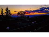 夕日を眺めながら・・・