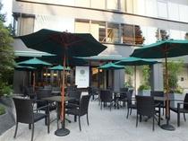 レストラン1899のオープンカフェエリア