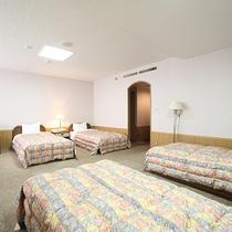 【4階洋室・特別室】4ベッドルームになります