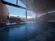 日帰り温泉が近隣に沢山あります。北アルプス一望の露天風呂もあります