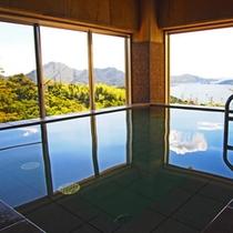 【展望大浴場】瀬戸内海の美しい風景を眺めながらゆったりとご入浴ください。。