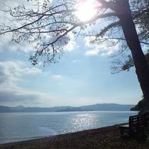*美しい湖畔の景色をお楽しみ下さい。