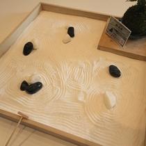 ミニチュア枯山水(10Fレディースラウンジ)