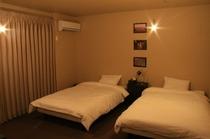 個室ベッド夜