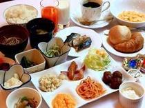 ■朝食;朝は優雅に朝食バイキングで思い切りお召し上がりください