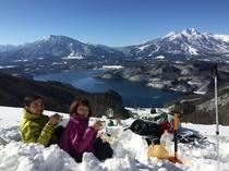 【アクティビティ】歩くスキーの昼休憩☆