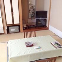 *【客室例】和室10畳。お部屋でのんびり♪喧騒を離れてお寛ぎ下さい。