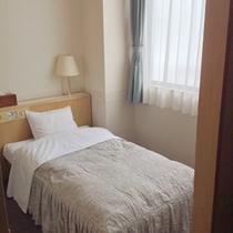 *【客室例】シングルルーム。気兼ねなくお寛ぎ頂けるお部屋。