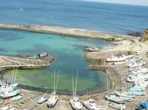 すぐ隣の白浜の板見漁港(ひなびた小漁港)・釣りOK