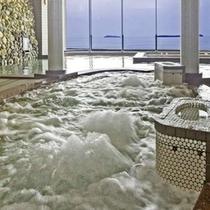 パノラマ展望大浴場【バイブラバス】/目の前は菊ヶ浜、そして日本海の正に絶景を望めます!