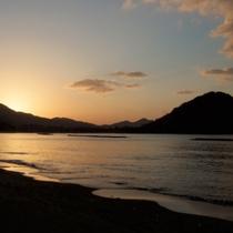指月山と夕陽