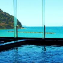 パノラマ展望大浴場/大浴場からの眺望!目の前に広がる日本海にうっとり♪