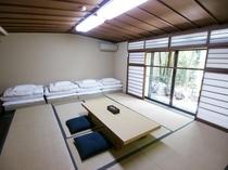 13畳和室(バス・トイレ共用)